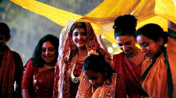 A Monsoon Wedding? Keep These Makeup Tricks In Mind