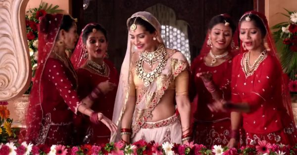 Dear Brides-To-Be, No Shaadi Is Complete Without *These* People