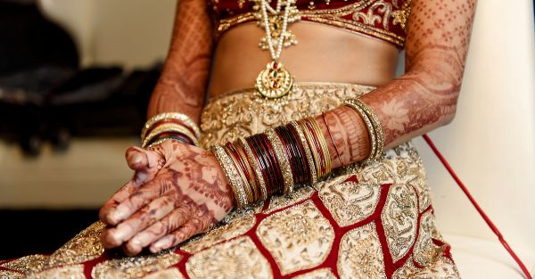 How Much Should YOU Spend On Your Wedding Lehenga? 9 Tips!