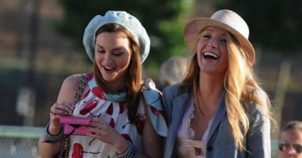 "10 ""Gossip Girl"" Moments That Gave Us Major Bestie Goals!!"