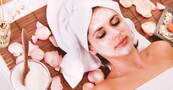 10 Top Tips For Your First Ever Facial (Hello, Glowing Skin!)