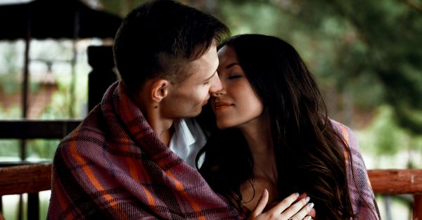 What's *Your* Dream Kiss Like? Your Zodiac Reveals...
