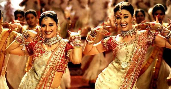 11 Mistakes To Avoid While Getting Your Shaadi Blouse Stitched!