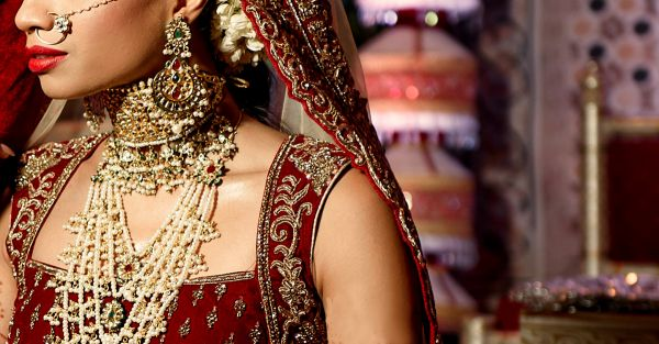 15 *Stunning* Red Outfits For The Bengali Bride (NOT Sarees!)