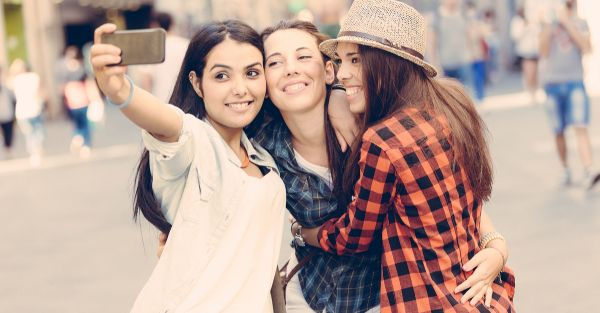 The ULTIMATE Mumbai Weekend Checklist For Every Girl!