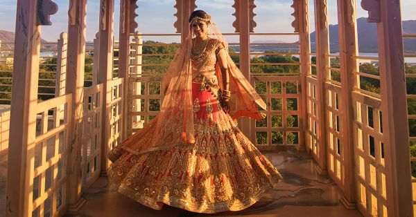 10 Brides Who Wore *Stunning* Shaadi Lehengas (That Aren't Red!)