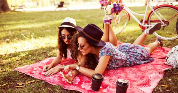 8 *Sweet* Things To Do For Your Bestie Before She Gets Married!