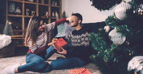 10 Sweet Surprises To Plan For Your Boyfriend This Christmas!