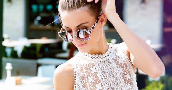 15 Super Pretty Tops To Make Your Boobs Look AMAZING!
