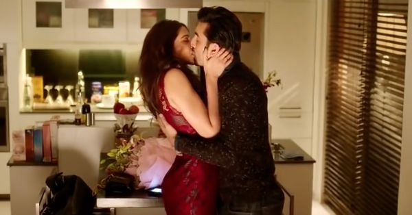 11 Reasons Your Boyfriend *Loves* Making Out With You!