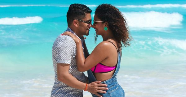 Dear Hubby, Let's Click Pictures Like *These* On Our Honeymoon!