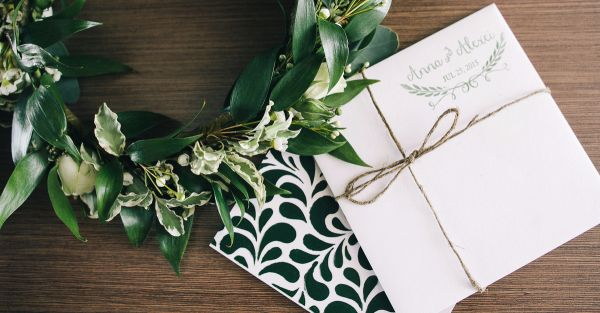 14 *Romantic* Quotes To Make Your Wedding Invite Extra Special!