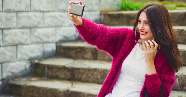 10 Things About Selfies You Didn't Know… But *Really* Should!