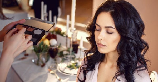 Airbrush Or Not? 8 Things To Know Before You Book Your MUA!