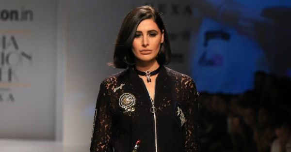 Smokey Eyes & The Lip Colour Of The Season… Nargis Rocked The Party-Girl Look At AIFW!