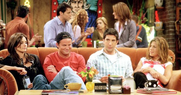 12 Moments From F.R.I.E.N.D.S That Made Us Go WTF?!