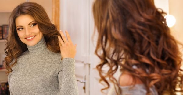 Time to Experiment: M.A.C Launches 'Magic Mirrors' That Let You Try Make-Up, VIRTUALLY!