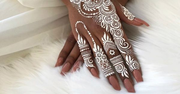 Move Over Traditional Henna, White Mehendi Is The Latest Bridal Trend Of 2018!