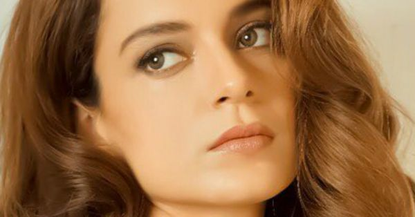 Kangana Ranaut's Glossy Gold Look Can Easily Be Your Weekend Party Make-Up!