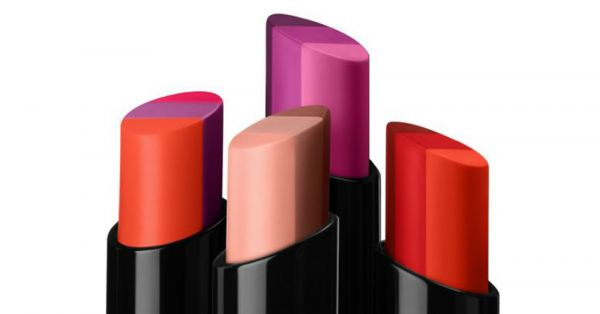 Smashbox Sees Your Regular Lipstick And Raises You A Triple Tone Lip Range!