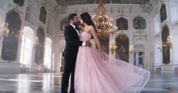 The Most *Romantic* Songs For Your Ring Exchange (Hindi & English!)