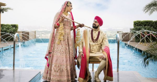A Gorgeous Delhi Wedding With Pretty Outfits & Adorable Details!