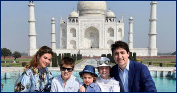 Justin Trudeau Is At The Taj  Mahal Along With His Fam & They're Colour Coordinated!