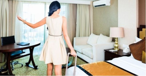 5-Star Hotel Room Freebies That Serve As Absurd Yet Simple Fashion Hacks!