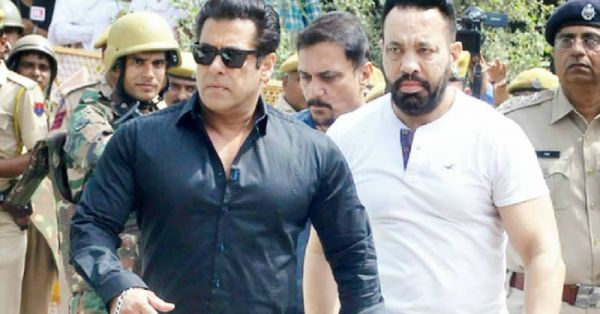 Another Night Of Dal-Roti For Salman Khan; Bollywood Says Stay Strong!