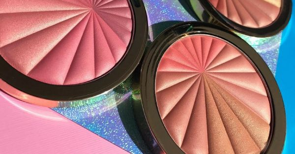 Hot Deal: Grab This Luminous Blush At A 30% Discount Right Now!