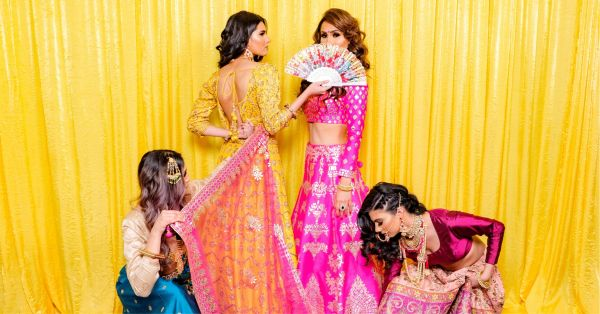 These 4 Friends Recreated The Veere Di Wedding Poster & You Should Do It Too!