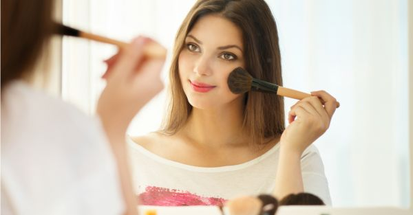 When Is Makeup Too Much? Here's What The Experts Have To Say!