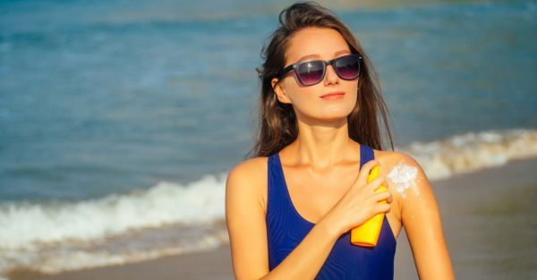 Spray Sunscreens That Are Easy To Apply AND Save You From A Tan!