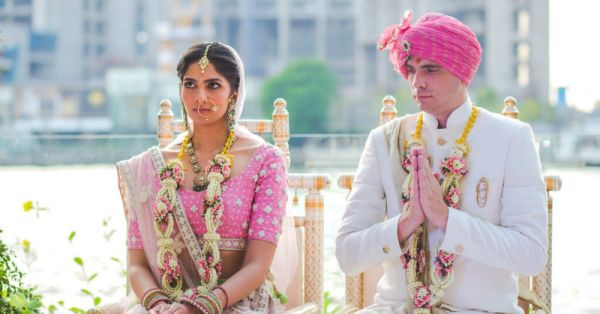 New Varmala Designs For Couples Who Don't Want Regular Red Roses!