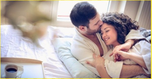 7 Reasons Why You And Your Hubby NEED To Get Naughty Early In The Morning!