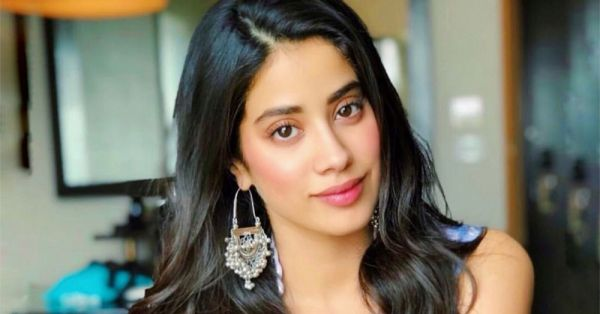 #MakeupGoss: Here's What's Keeping Janhvi Kapoor Radiant And Flushed! (It's Not What You Think!)