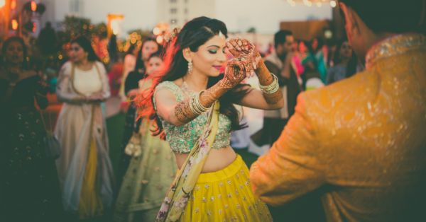 This Instagram Bride Just Gave Us The *Floral* Mehendi Lehenga Of Our Dreams!