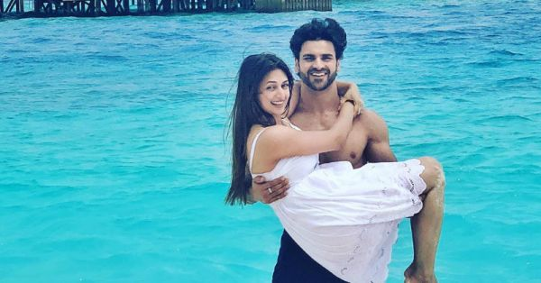 In Pics: Divyanka & Vivek Are Celebrating Their Second Anniversary At This Exotic Island!