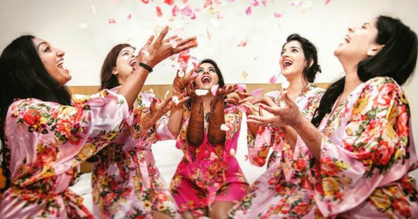 Pictures To Take With Your Bridal Crew 'Coz Who Run Your World? Girls!
