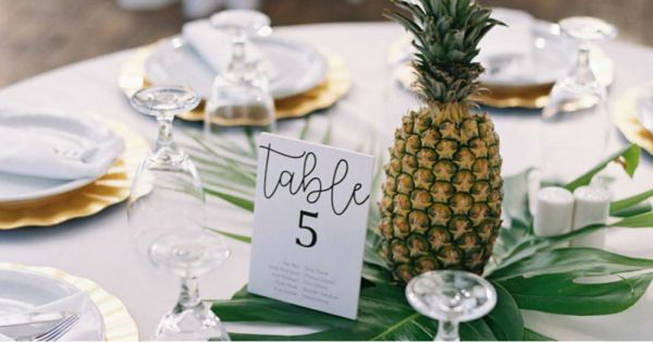 Planning A Summer Wedding? These Pineapple Centerpieces Are Just The Right Tropical Vibe You Need