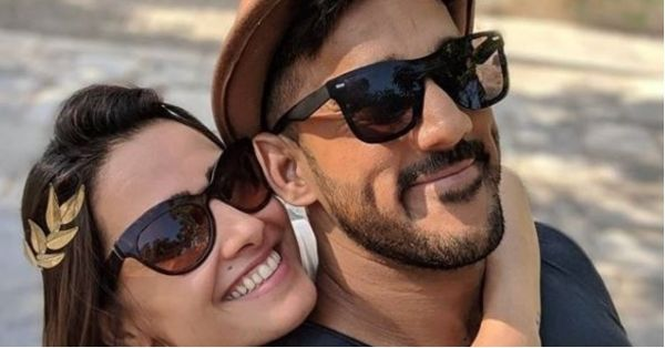 Anita Hassanandani And Hubby Rohit Are Off On A Beach Vacay In Greece And WOW!