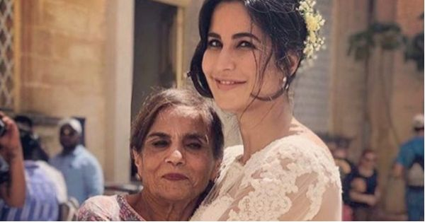Katrina Kaif Poses With Salman Khan's Mom And The Internet Calls It Saas-Bahu Goals!