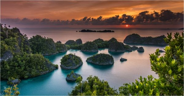 Raja Ampat: These Hidden Islands In Indonesia Will Make You Forget Bali!