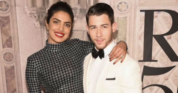 Priyanka Chopra Has Got  'Baby Fever' After Meghan Markle's Pregnancy Announcement!