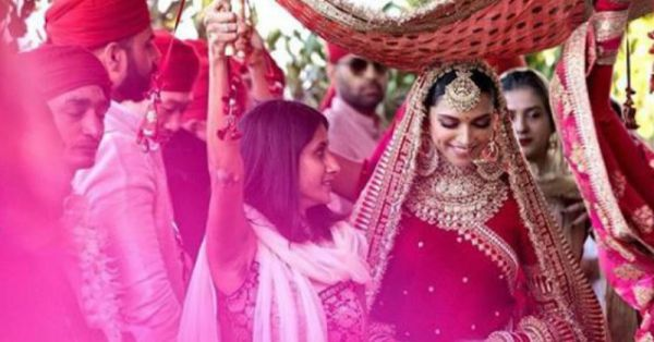 #DeepVeerKiShaadi: EVERYTHING You Need To Know About Deepika's Bridal Looks!