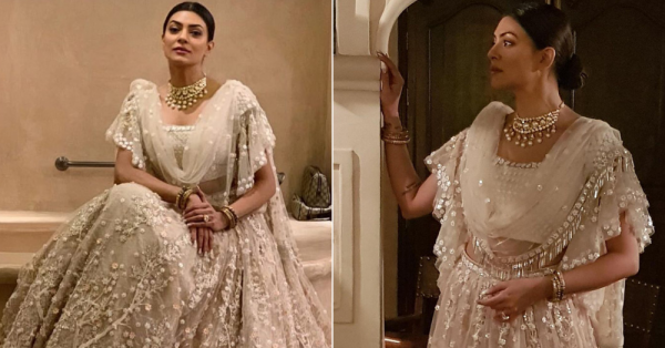 Sushmita Sen Walking Into This Wedding Made Us Collectively Go *Tumhe Jo Maine Dekha*!