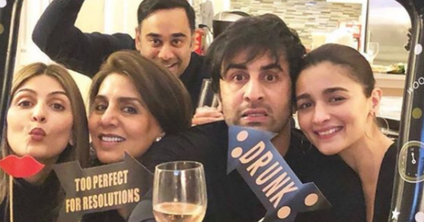 Mom Neetu Kapoor Has An Engagement Date In Mind For Ranbir Kapoor & Alia Bhatt!