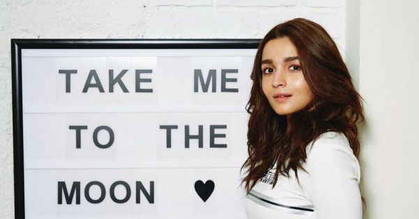 Alia Bhatt Has *No Signal* But We're Feeling A Connection... To Her OOTD!