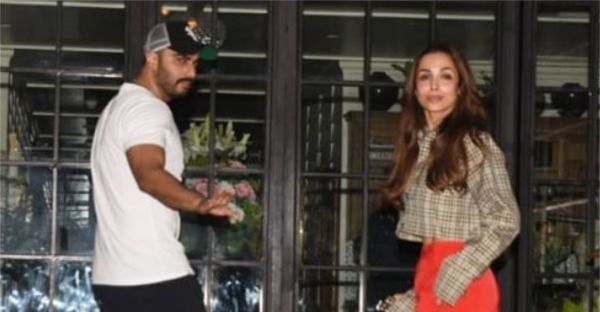 Poster Chapwado! Malaika Arora & Arjun Kapoor's Relationship Is No More A Secret