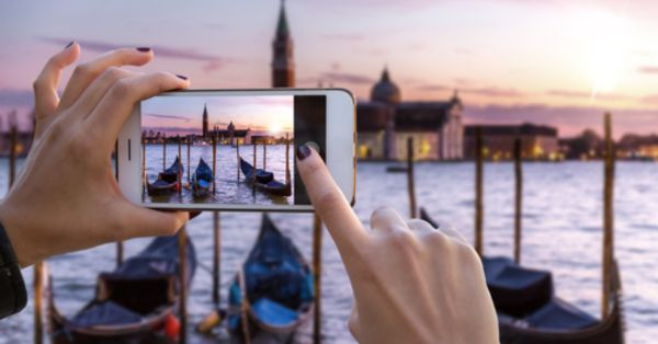 Mobile Photography 101: All The Tips & Tricks You Need To Know To Become A Pro
